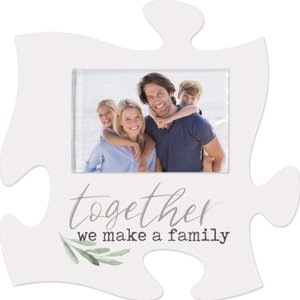 Puzzlepiece Together we make a family